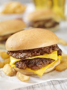 Amit a dietetikus sosem rendelne étteremben - Fogyókúra | Femina Hamburger, Ethnic Recipes, Food, Essen, Burgers, Meals, Yemek, Eten