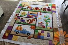 Piece N Quilt: Autumn Quilt - Custom Machine Quilting by Natalia Bonner Sewing Tutorials, Free Tutorials, Fall Quilts, School Themes, Free Motion Quilting, Applique Quilts, Machine Quilting, Paper Piecing, Quilting Designs