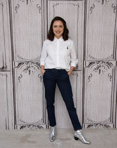 Bel Powley gives her white shirt and trousers a sci-fi twist with silver boots at the AOL studios in New York. Fab-u-lous.