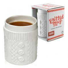 Kaffeebecher im Strick Design