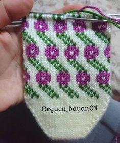 Crochet Baby Dress Pattern, Baby Knitting Patterns, Stitch Patterns, Fair Isle Knitting, Hand Knitting, Bobble Stitch Crochet, Diy And Crafts, Coin Purse, Knitting Needles