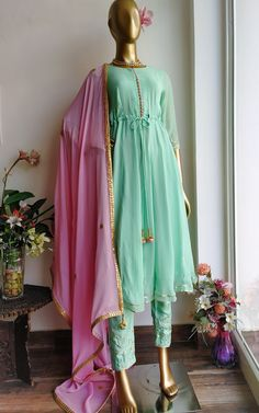 Buy Green Anarkali Pant Set with Pink Gota Patti Dupatta Online – LabelKanupriya Simple Pakistani Dresses, Pakistani Fashion Casual, Pakistani Dress Design, Indian Fashion, Pakistani Clothing, Muslim Fashion, Wedding Dresses For Girls, Party Wear Dresses, Dress Indian Style