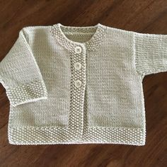 Baby Emily knitting pattern by Stella Ackroyd - Tricot gratuit phildar Baby Cardigan Knitting Pattern, Arm Knitting, Baby Knitting Patterns, Baby Patterns, Knitted Baby Cardigan, Knitted Baby Clothes, Knitting For Kids, Crochet Patterns, Knitting Tutorials