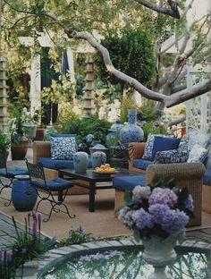 Decoración azul de patio