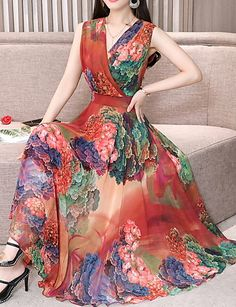 Women's Holiday Casual / Daily Beach Sexy Slim Chiffon Swing Dress - Floral Pleated V Neck Green Red Purple XL XXL XXXL 2019 - € Women Dresses for all occassins to buy online Pretty Dresses, Women's Dresses, Beautiful Dresses, Evening Dresses, Fashion Dresses, Dresses For Women, Fashion Clothes, Plunge Dress, Beach Dresses
