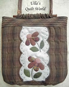 A pattern for this quilt bag is in a Japanese Patchwork book: ISBN These photos below are from this . Patchwork Quilt, Patchwork Bags, Quilted Bag, Hanging Quilts, Quilted Wall Hangings, Fabric Purses, Fabric Bags, Quilted Baby Blanket, Japanese Quilts