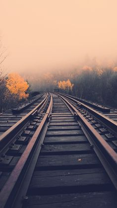 landscape-railroad-iPhone-Wallpaper