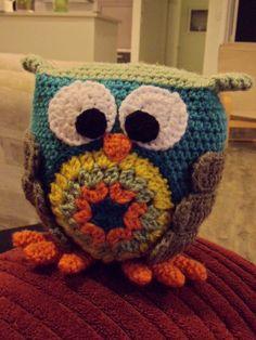 Owly - http://www.thehandmaderainbow.blogspot.com/2012/03/owly.html