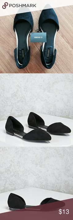 Forever 21 Faux Suede Pointed Toe Flats BLACK 👯 Make An Offer 💙 Bundle  NWT Forever 21 Faux Suede Pointed Toe Flats in Black  Super adorable can be worn with almost anything.   🎁 Makes a great gift.  📷💌 Final Sale for hygienic purposes. Thank you Forever 21 Shoes Flats & Loafers