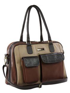 Bolsa feminina toda em couro legítimo, com duas opções de alças e bolsos externos para objetos. Compartimento interno em duas partes, com bolso grande no centro e mais quatro bolsos para objetos. Forro de tecido.