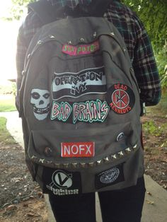 Misfits edit want backpack punk ramones sex pistols Bad Brains dead kennedys nofx choking victim punk patches Grunge Backpack, Denim Backpack, Backpack Bags, Mochila Grunge, Backpack With Pins, Estilo Punk Rock, Grunge Outfits, Fashion Outfits, Aesthetic Backpack