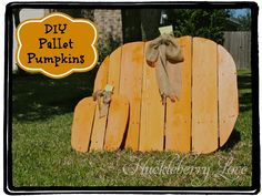 pallet yard art | Huckleberry Love: DIY Pallet Pumpkins