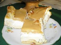POTŘEBNÉ PŘÍSADY: 200ml vody 200ml oleje 180g hladké mouky špetka soli 6 vajec Uvařené salko 3/4l mléka 2 vanilkové pudinky 1 máslo 2 šlehačky v prášku+250ml ...