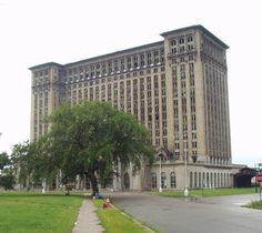 Detroit Landmarks and Buildings abandoned