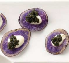Purple potato chips with creme fraiche and caviar. Don't know about the creme fraiche and caviar, but who'd've thunk to use a potato chip as the base of a nibble? Raw Food Recipes, Appetizer Recipes, Cooking Recipes, Creme Fraiche, Caviar Recipes, Purple Food, Wedding Appetizers, Snacks Für Party, Lunch Snacks