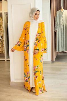 @aalaaaatya ♡ Modest Fashion Hijab, Modern Hijab Fashion, Arab Fashion, Islamic Fashion, Muslim Fashion, Fashion Dresses, Pakistani Fashion Party Wear, Mode Abaya, Hijab Trends