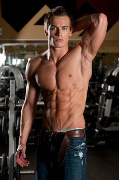 If you want ripped six pack abs but have no idea how long it'll take, then you want to read this article. Muscle Fitness, Mens Fitness, Six Pack Abs Men, Effective Ab Workouts, Weight Loss Before, Athletic Men, Shirtless Men, Physical Fitness, Sexy Body