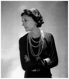 Chanel - Collections and Creations Coco Chanel -Portrait - pearls - by Boris Lipnitzki - 1936.