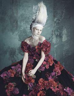 Vogue-Germany-Opulenz-Marie-Antoinette-Tom-Lorenzo-Site-TLO (7)