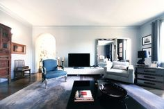 Classic Glam: Rooms & Furnishings