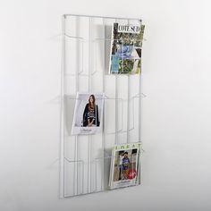 Porte-dossiers Arreglo AM.PM : prix, avis & notation, livraison.  ligne aux angles arrondis pour un look rétro/moderne, d'une simplicité et dans une gamme de coloris d'une douceur toute scandinave ! Porte-dossiers en métal galvanisé ou recouvert d'une peinture époxy effet mat. Estampillé AM.PM en reliefDimensions du porte-dossiers : L.28 x H.27,8 x ép.10 cm.