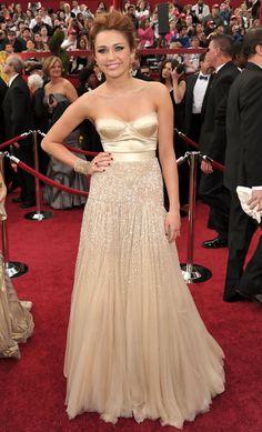 Miley Cyrus in Jenny Packham 2010 Oscars