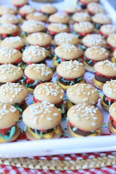 mini hamberger cookies. Cute factor way over the top. Love!
