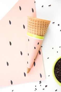 With a few pieces of white paper and a printer, you can turn your guests' place settings into slices of fruity deliciousness.  They're cheap, unique and disposable, which means less cleanup for you (hallelujah!) and more time to concoct your next summer ice cream social.