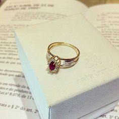 Anel formatura #direito #encomendaentregue #ouro #rubi #designerdejoias #mairabumachar @mairabumachar
