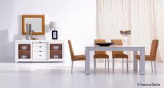 """Comedor fabricado en madera de fresno estilo contemporáneo con toques """"orange"""""""