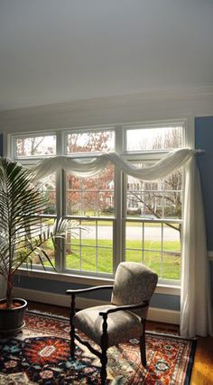 I would LOVE these windows!!! Not so crazy about the curtain though.