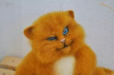 Oak needle felted cat