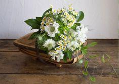 アジサイと草花のナチュラルブーケ|恵比寿にある新しいコンセプトのスクール。自身の内なるかがやきが、めざめる、ひらめく。
