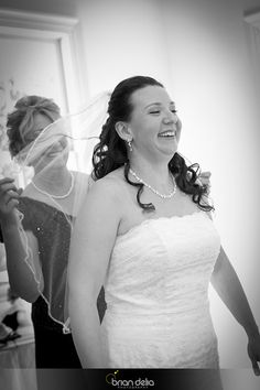#weddingday #bride #prep #veil #love #blackandwhitephotography #photography #bdeliaphotography #briandeliaphotography