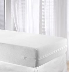 This Velfont White Elastic Terry Towelling Fully Enclosed Mattress Cover Encat Double Size