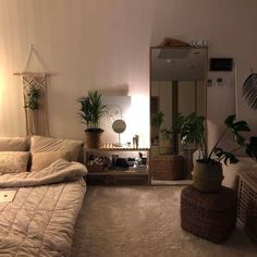 27 Amazing Small Apartment Bedroom Design Ideas And Decor. If you are looking for Small Apartment Bedroom Design Ideas And Decor, You come to the right place. Below are the Small Apartment Bedroom De. Room Ideas Bedroom, Home Bedroom, Bedroom Decor, Bed Room, Bedroom Inspo, Warm Bedroom, Decor Room, Master Bedroom, Small Apartment Bedrooms