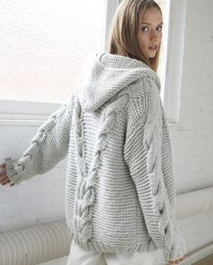 SeaBeaL Create: Gilet Agnela Phildar - Free Tuto - Lilly is Love Crochet Wool, Crochet Cardigan, Knitting Designs, Knitting Patterns, Wooly Jumper, Cable Knit Hat, Cardigan Fashion, Cardigans For Women, Baby Knitting