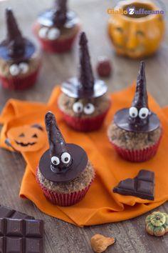 Le STREGHE COL CAPPELLO vi faranno fare un figurone alla vostra festa di #Halloween! #ricetta #GialloZafferano: http://ricette.giallozafferano.it/Streghe-col-cappello.html