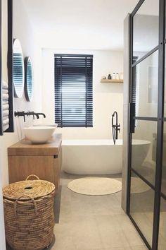 Upstairs Bathrooms, Downstairs Bathroom, Bathroom Plans, Architect Design House, House Design, Family Bathroom, Small Bathroom, Bathroom Inspiration, Home Decor Inspiration
