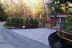 Landscaping Ideas for Entrance Driveway | Belgian paver driveway entrance