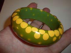 THE BIGGEST & BEST Vintage RANDOM DOT Gumdrop BAKELITE Bangle BRACELET