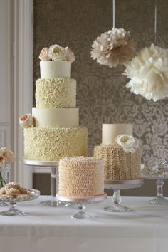 Featured Wedding Cake: Zoë Clark Cakes; www.zoeclarkcakes.com; Wedding cake idea.