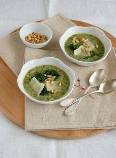 (WIN) Sopa de brócolis e feijão branco // ESPETACULAR!! Quero comer toda semana.