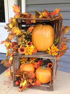 10 fall front porch decorating ideas 2 - Bobbi Leonards - 10 fall front porch decorating ideas 2 Checkout these cute and cozy fall front porch ideas that'll give your front porch a fresh look for fall. Use these simple ideas to decorate a fall porch! Fall Home Decor, Autumn Home, Autumn Fall, Front Porch Fall Decor, Fall Porches, Fall Decor Outdoor, Dyi Fall Decor, Front Porch Decorating For Fall, Seasonal Decor