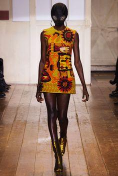 Awesome-Crazy-Fashion-Scale: || Maison Martin Margiela (Spring 2014 Couture)