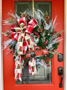 Front Door Christmas Decorations, Christmas Front Doors, Christmas Mesh Wreaths, Christmas Lanterns, Christmas Hanukkah, Christmas Porch, Christmas Tree Toppers, Christmas Items, Diy Christmas Gifts