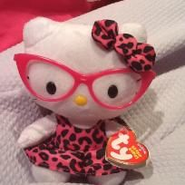 HELLO KITTY IS IN STYLE NEW WITH MINT TAGS New great Listings Please share if you Please care