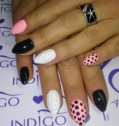 Cable knit sweater nails are often accents in a manicure. Nail Tutorials, Design Tutorials, Nail Art Designs, Sweater Nails, Marble Nails, Accent Nails, Cable Knit Sweaters, 3 D, Beauty Hacks