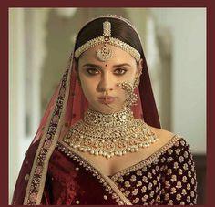Ideas For Sabyasachi Bridal Collection India Indian Bridal Jewelry Sets, Indian Bridal Outfits, Bridal Dresses, Bridal Jewellery, Wedding Jewelry, Jewellery Box, Silver Jewellery, Clay Jewelry, Jewellery Photo