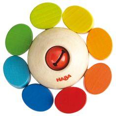 Un superbe hochet Ronde de couleurs de la marque Haba qui stimulera bébé par ses belles couleurs et son petit grelot.  Les perles multicolores sont enfilées sur un élastique et peuvent tourner sur elles-mêmes.